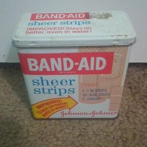 Johnson & Johnson Bandaid Tin